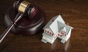 Обратиться в суд с иском о выселении